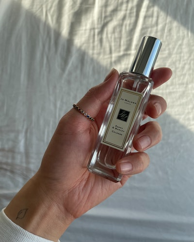 Jo Malone Poppy & Barley cologne photo for The Beauty Report Card series.