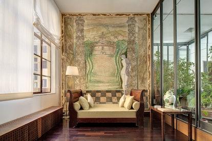 Italian villa artistic airbnbs
