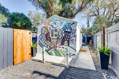 tiny house artistic airbnbs