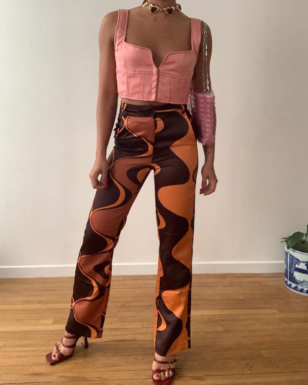 Wavy pants