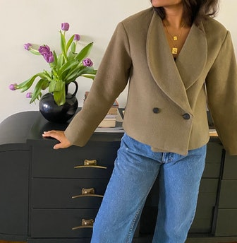 Wide-Collar Double Breasted Blazer