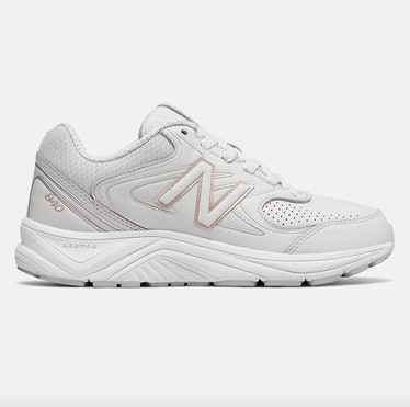 840v2 Sneakers