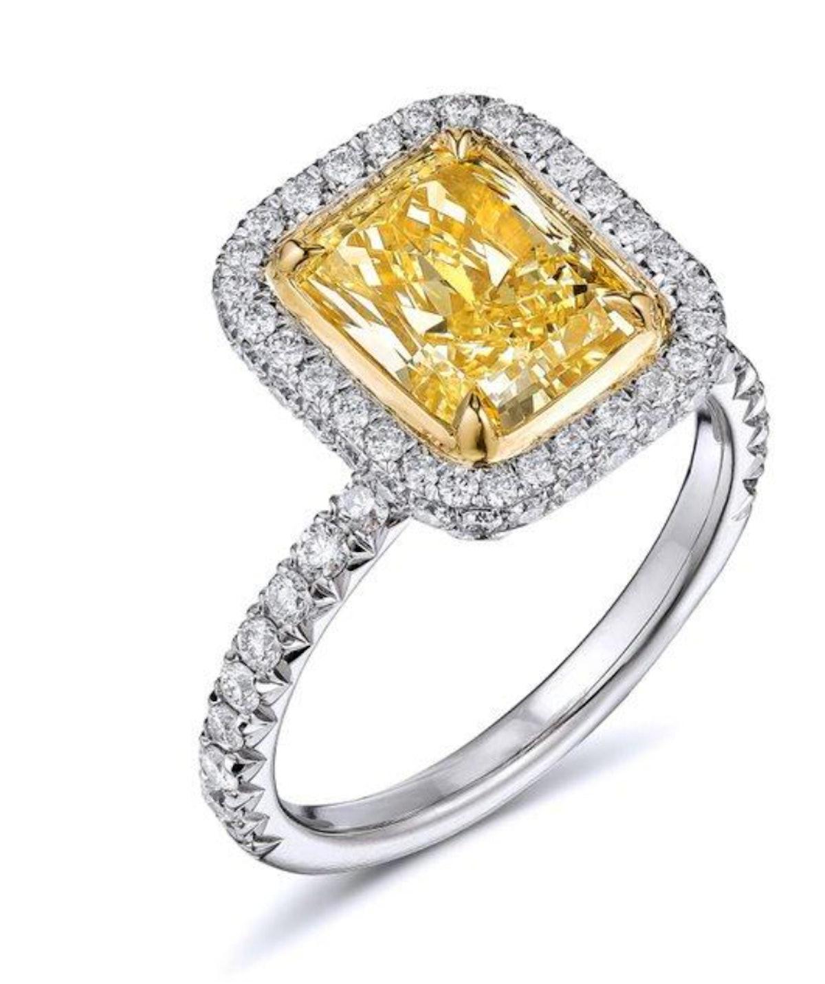 2.67 Carat Fancy Yellow Radiant Cut Diamond Engagement Ring In Platinum