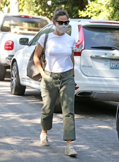 Jennifer Garner is seen out running errands on October 1, 2020 in Los Angeles, California.