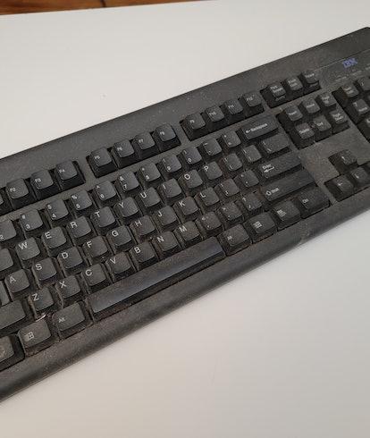 My disgusting 25-year-old IBM keyboard