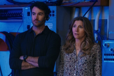 BEN LAWSON as JOHNNY RYAN and SARAH CHALKE as KATE in FIREFLY LANE