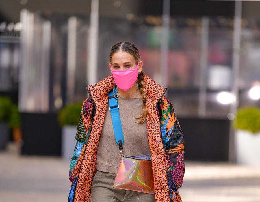Sarah Jessica Parker leaves her store SJP by Sarah Jessica Parker at the Seaport on November 19, 2020 in New York City. (Photo by James Devaney/GC Images)