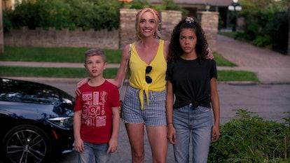 DIESEL LA TORRACA as AUSTIN, BRIANNE HOWEY as GEORGIA, and ANTONIA GENTRY as GINNY in episode Netfli...