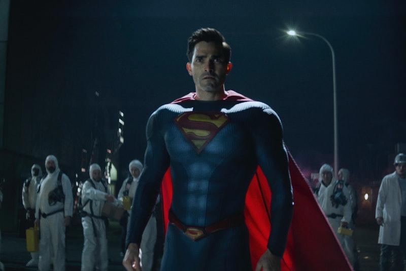 Superman investigates The Stranger in 'Superman & Lois' via CW press site.