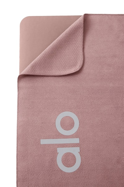Grounded No-Slip Towel