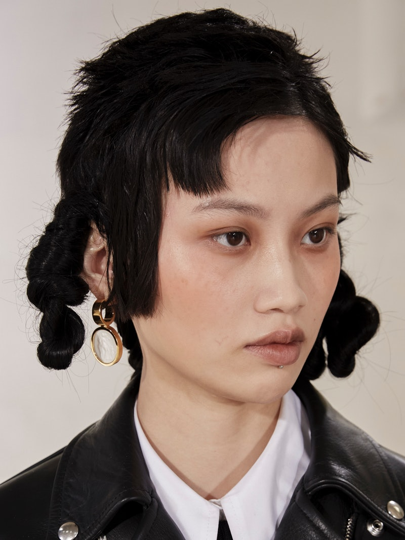 London Fashion Week Fall/Winter 2021 hairstyle trend details.