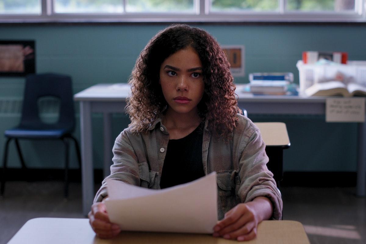 Antonia Gentry in 'Ginny & Georgia' Season 1