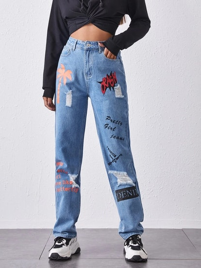 Romwe Letter Graphic Ripped Detail Mom Jeans