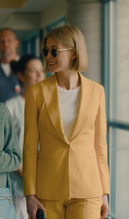Rosamund Pike's Character Marla Grayson's Best Looks From 'I Care A Lot'