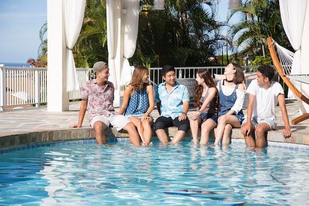 The cast of Terrace House: Aloha State.