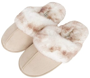 Jessica Simpson Comfy Faux Fur House Slipper