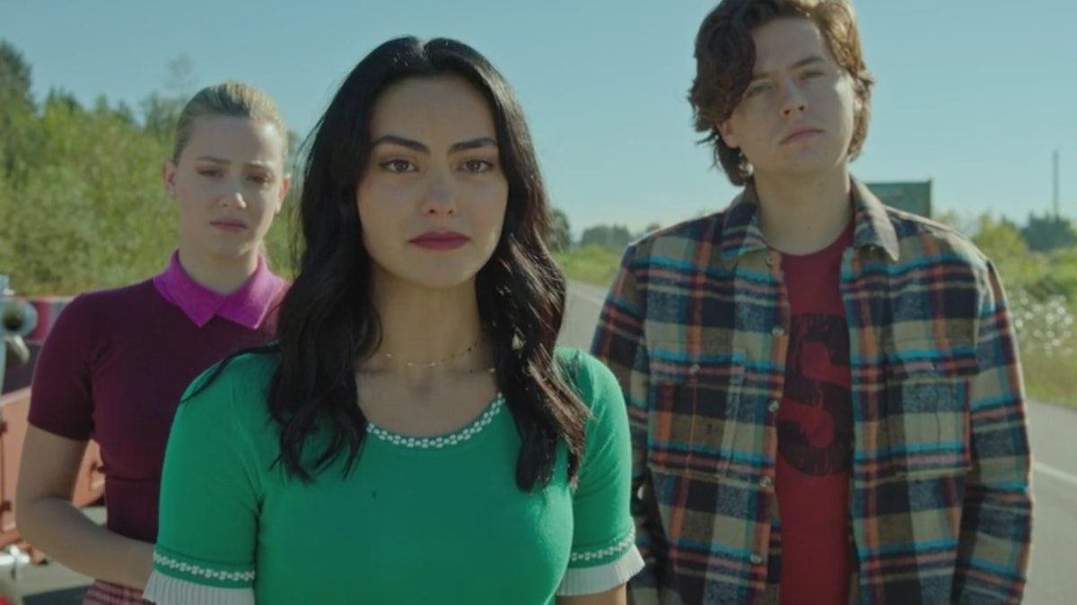 Betty, Veronica, and Jughead watch as Archie joins the Army in 'Riverdale'
