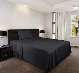 Utopia Microfiber Bed Sheet Set