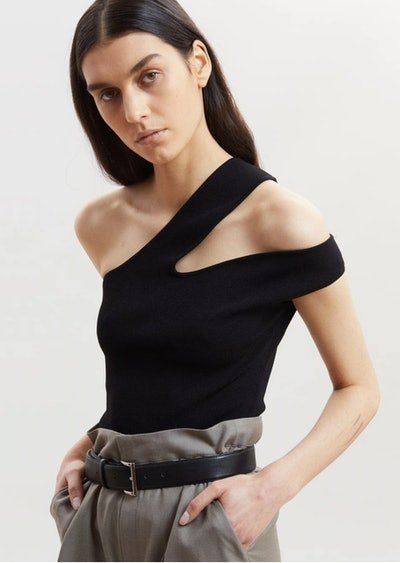 Cutout tops are a Spring 2021 trend.
