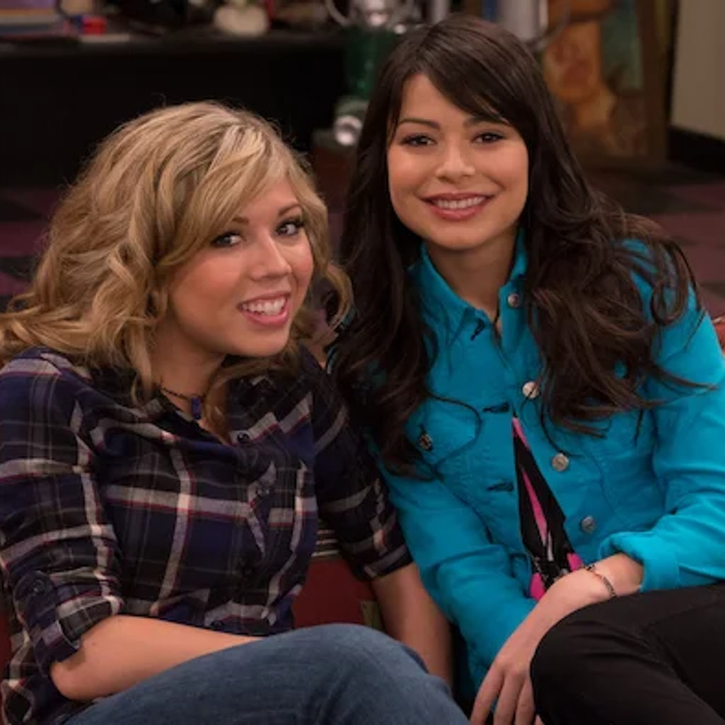 Miranda Cosgrove and Jennette McCurdy in 'iCarly.'