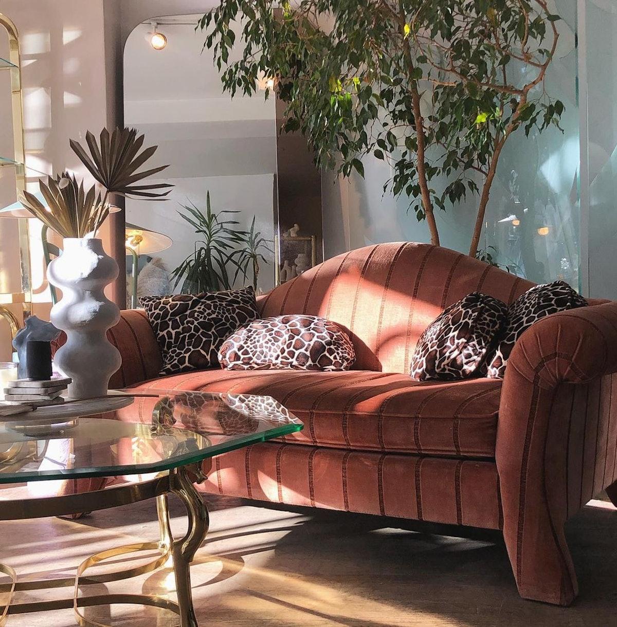 vintage living room sofa easy furniture transformations