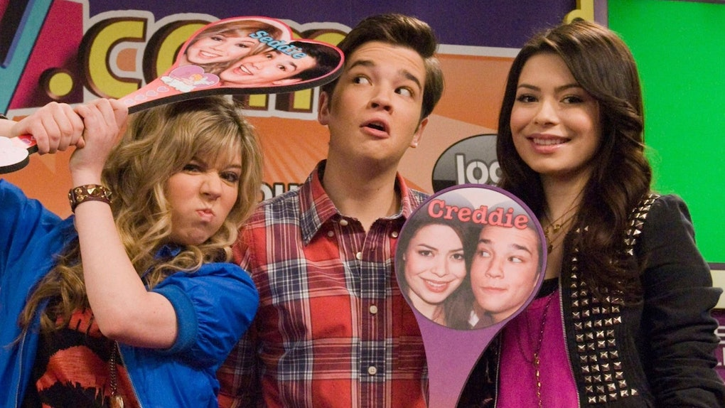 Netflix added 'iCarly' in February 2021 and fans of the Nickelodeon series celebrated the new addition on Twitter.
