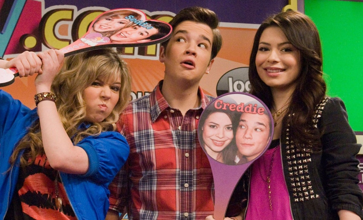 Netflix added 'iCarly' in February 2021 and fans of the Nickelodeon series celebrated the new additi...