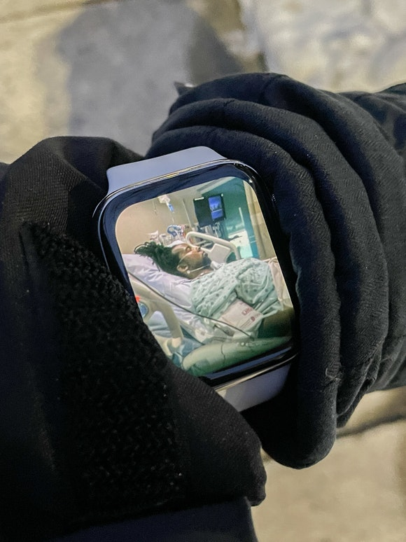 A time photo of Dr. Ibram X. Kendi in his Time to Walk episode on Apple Fitness+ on Apple Watch.