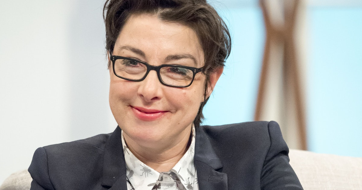 """Sue Perkins Addressed 'Bake Off's """"Bin Gate"""" 6 Years Later"""