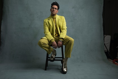 Dan Levy in Valentino for the 2021 Golden Globes.