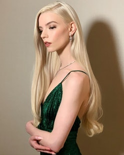 Anya Taylor-Joy 2021 Golden Globes Beauty Look
