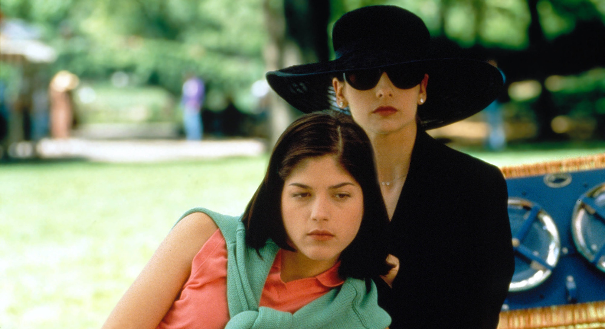 Selma Blair and Sarah Michelle Gellar in 1999's Cruel Intentions