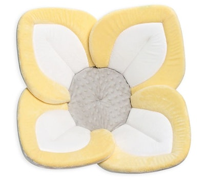 Blooming Bath Lotus in Light Yellow/White/Grey