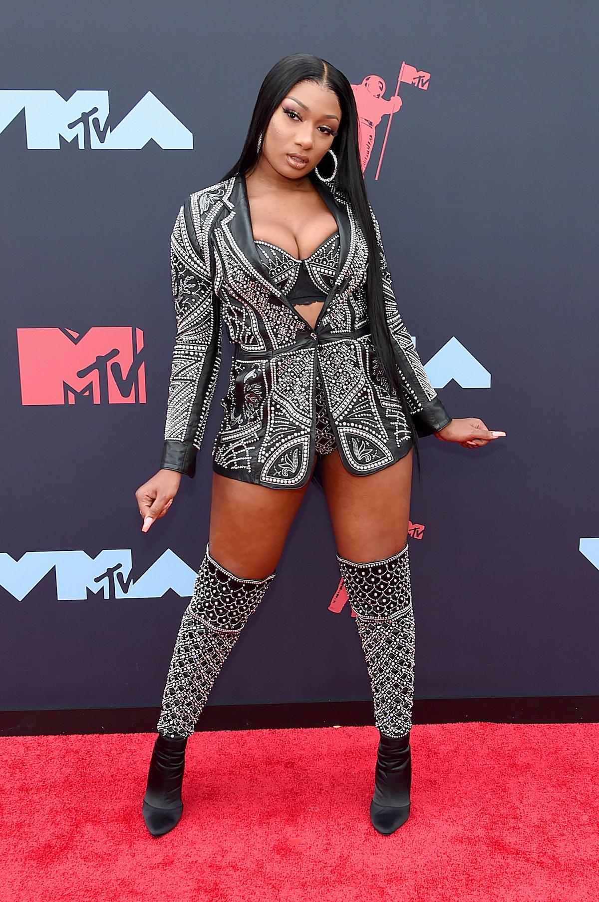 Megan at the VMA carpet