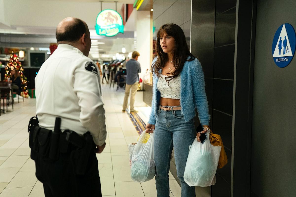 Chloe East as Naomi in 'Generation.'