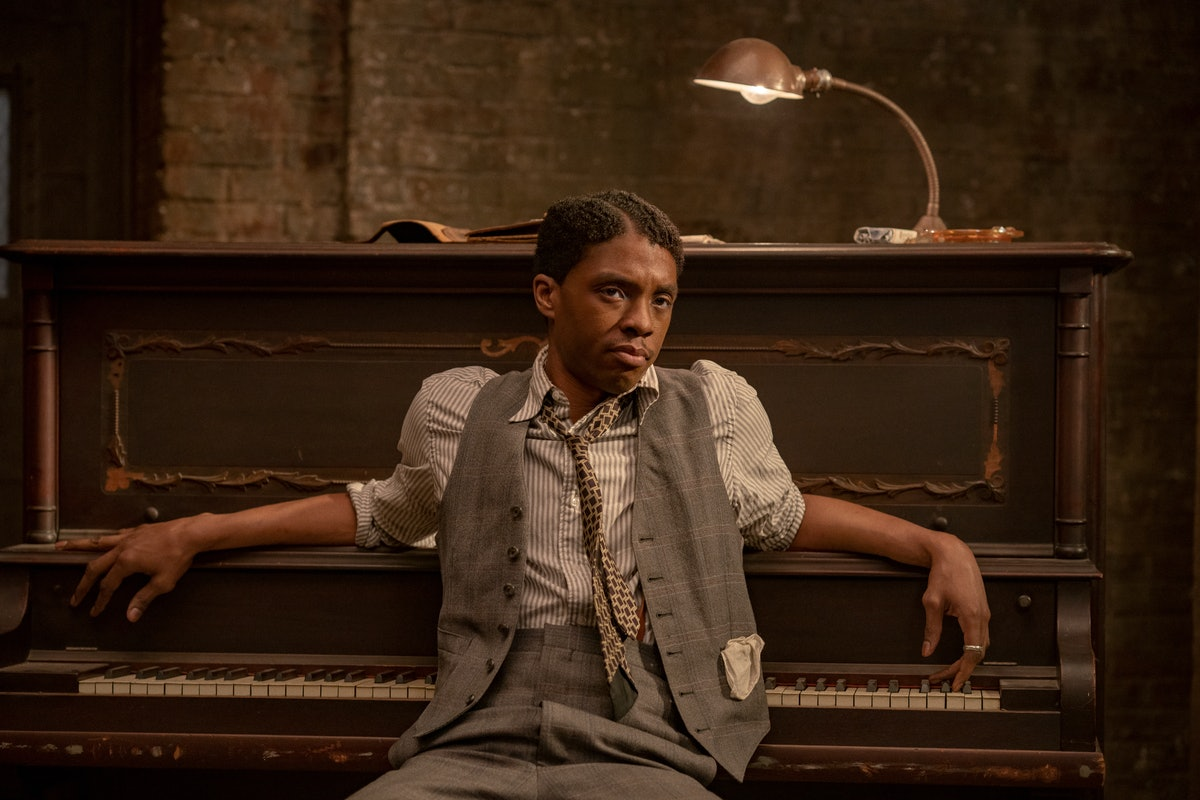 MA RAINEY'S BLACK BOTTOM (2020) Chadwick Boseman as Levee. Cr. David Lee/NETFLIX