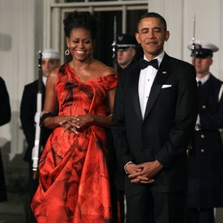 U.S. President Barack Obama (R) and first lady Michelle Obama (L) welcome Chinese President Hu Jintao for a State dinner at the White House January 19, 2011 in Washington, DC. Obama and Hu met in the Oval Office earlier in the day.