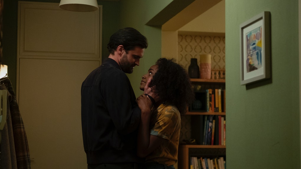 Tom Bateman as David Ferguson and Simona Brown as Louise Barnsley have a sex scene in Netflix's 'Behind Her Eyes'