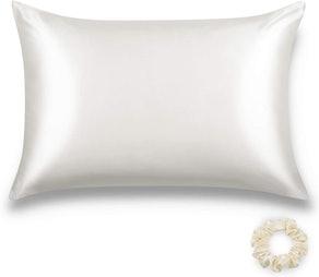 ALASKA BEAR Silk Pillowcase