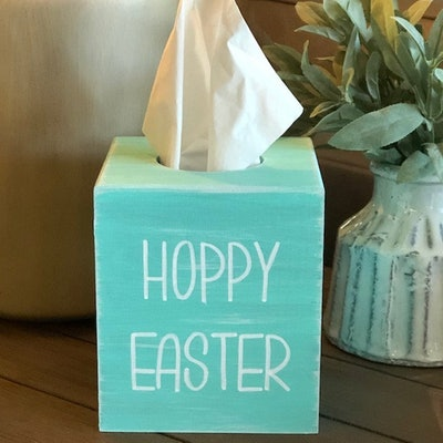 Easter Farmhouse Tissue Box Cover