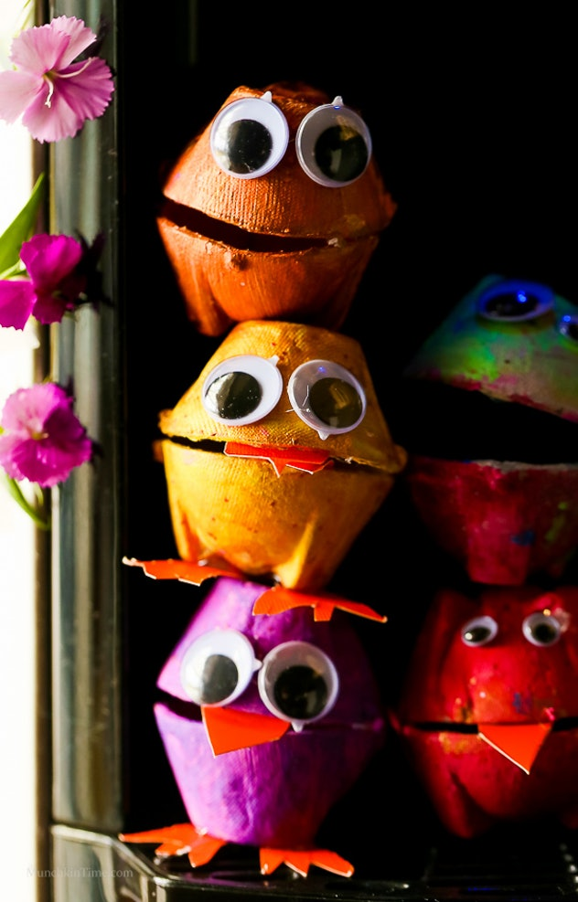 Turn an old egg carton into monsters.
