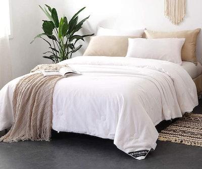 Mommesilk All Seasons Silk Comforter