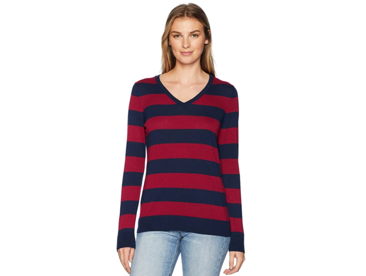 Amazon Essentials Classic Fit Long-Sleeve V-Neck Sweater