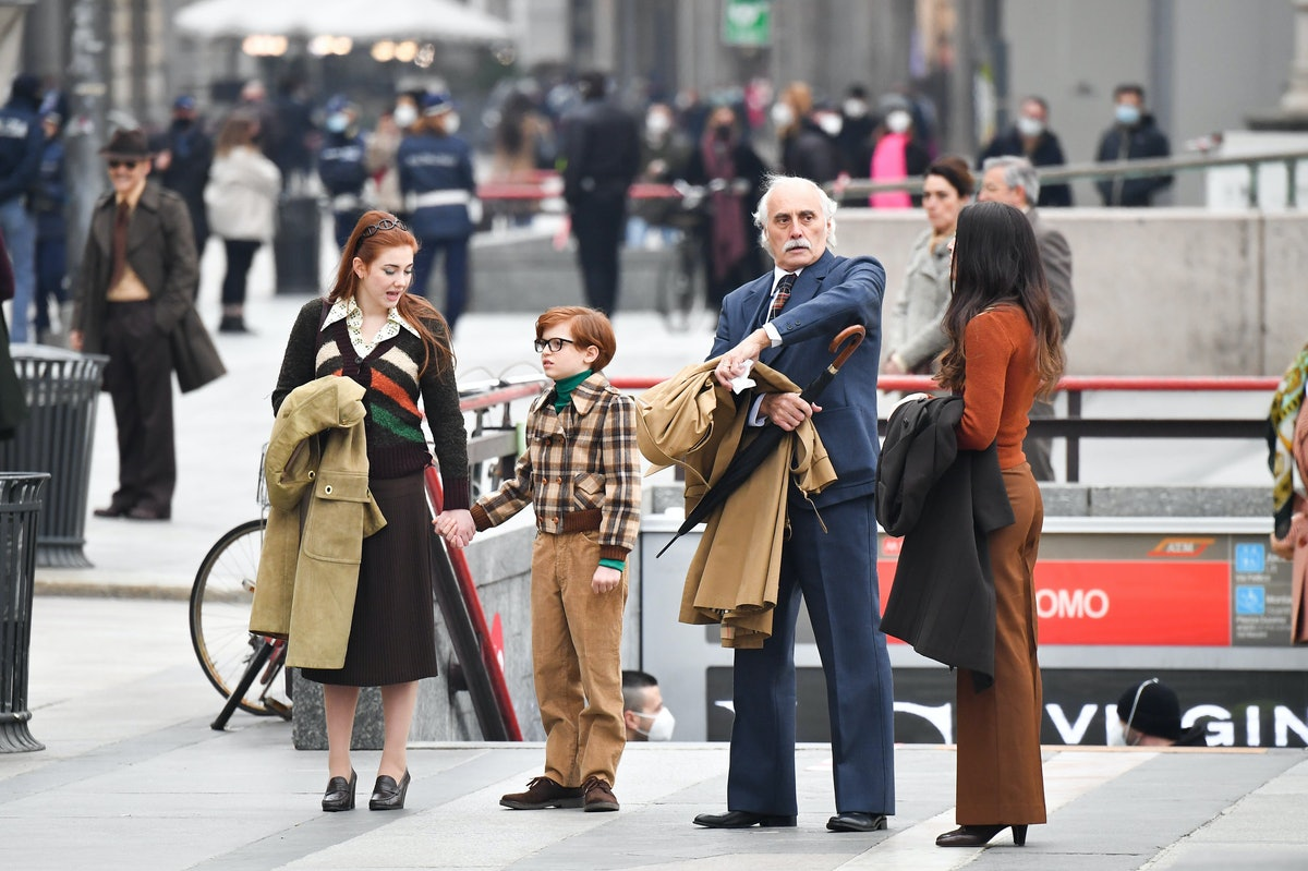 People on the set of House of Gucci