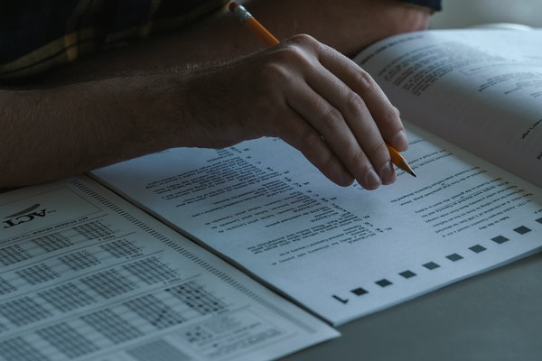 Standardized testing re-enactment from OPERATION VARSITY BLUES THE COLLEGE ADMISSIONS SCANDAL