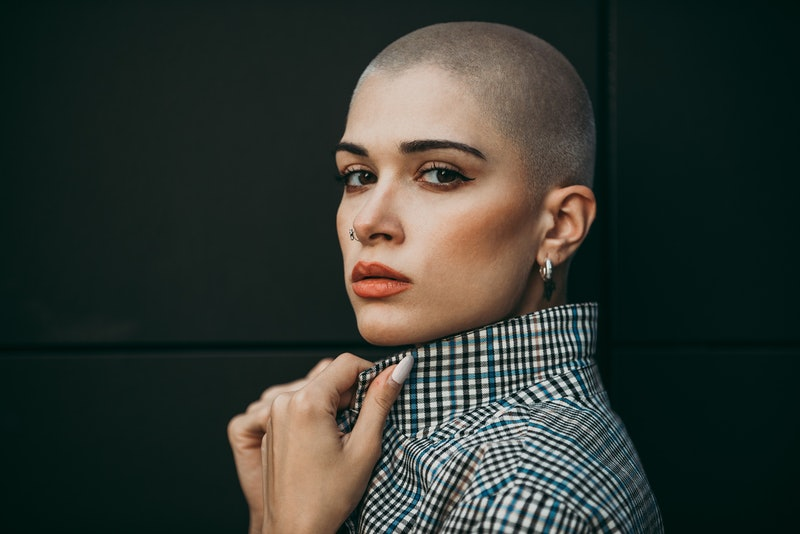 How to grow out a buzz cut, according to stylists.