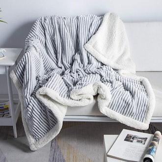 DISSA Sherpa Fleece Blanket