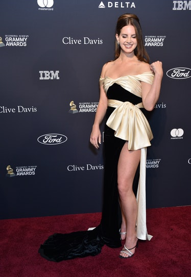 Lana Del Rey poses on the red carpet
