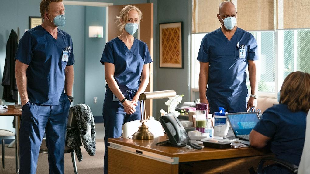Kevin McKidd as Owen, Kim Raver as Teddy, and James Pickens Jr. as Richard in Grey's Anatomy Season 17.