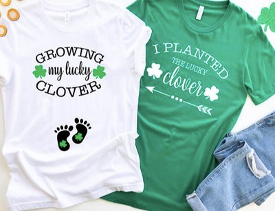 LandADesignUS St. Patrick's Day Clover Couples Pregnancy Tee Shirt